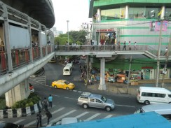 Улицы Бангкока - небоскребы, передвижение по городу, транспортные развязки
